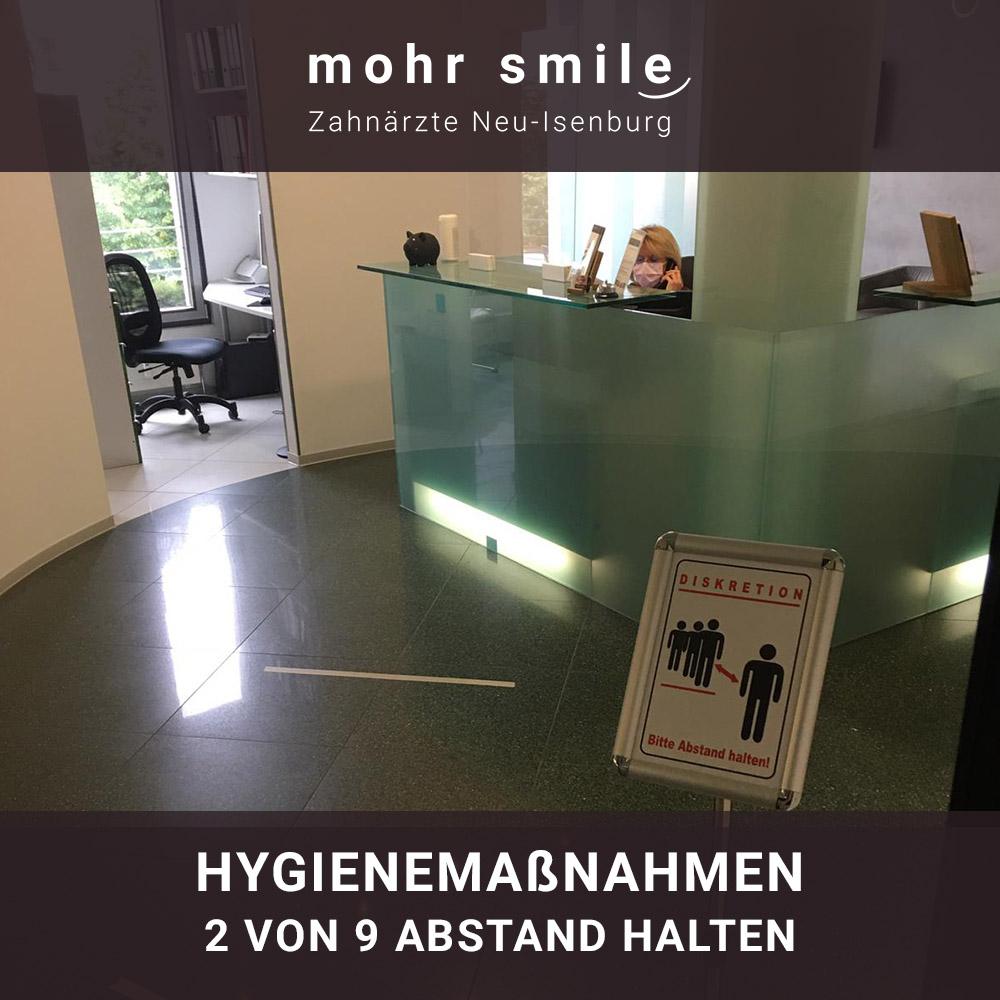 mohr smile - Hygienemaßnahmen 2 von 9 Abstand halten