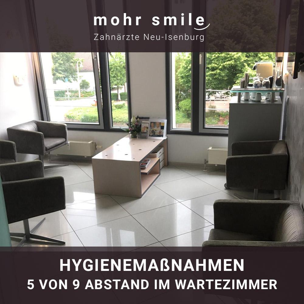 mohr smile - Hygienemaßnahmen 5 von 9 Abstand im Wartezimmer