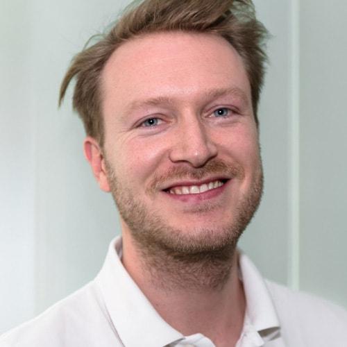 Zahnarzt Maximilian Kresing - Zahnarztpraxis in Neu-Isenburg. mohr smile