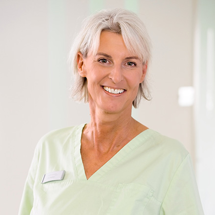 Frau Radman - Prophylaxe Zahnarztpraxis in Neu-Isenburg - mohr smile