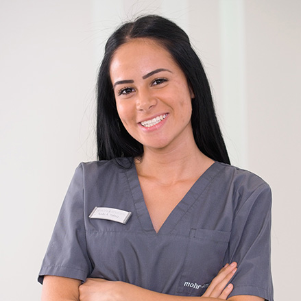 Frau Yaliniz - Zahnarztpraxis mohr smile in Neu-Isenburg