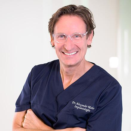 Zahnarzt Dr. Alexander Mohr in der Zahnarztpraxis mohr smile in Neu-Isenburg
